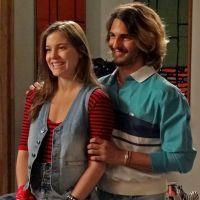 """Novela """"Boogie Oogie"""": Daniele volta de viagem com Rodrigo e revela gravidez!"""