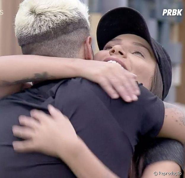 """""""A Fazenda 12"""": Lipe e Stéfani, após brigas no """"De Férias com o Ex Brasil"""", protagonizam momento fofo"""