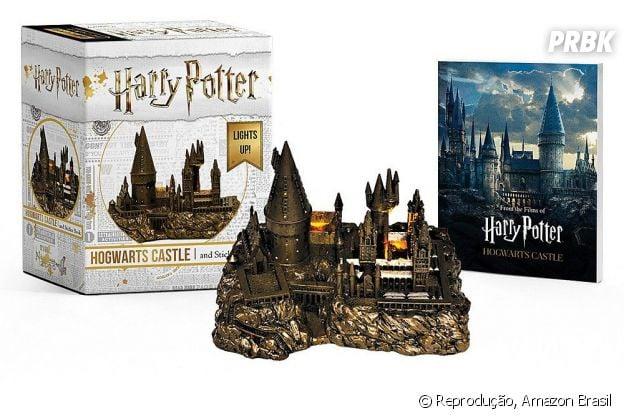 """""""Harry Potter"""":Miniatura Castelo de Hogwarts e Livreto de Adesivos"""