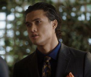 """Em """"Riverdale"""", Reggie (Charles Melton) virou vilão. Será ele o pai do bebê da Toni (Vanessa Morgan)?"""
