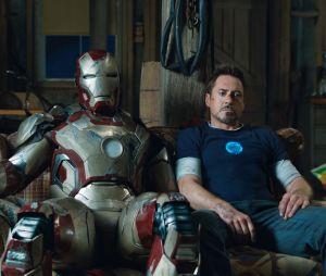 """Tony Stark (Robert Downey Jr.) lidou com estresse pós traumático em """"Homem de Ferro 3"""""""