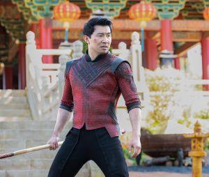 """""""Shang-Chi e a Lenda dos Dez Anéis"""": primeiras imagens promocinais foram liberadas nesta segunda (19)"""