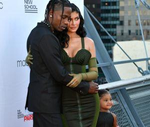 Travis Scott é prestigiado por Kylie Jenner em premiação nos Estados Unidos