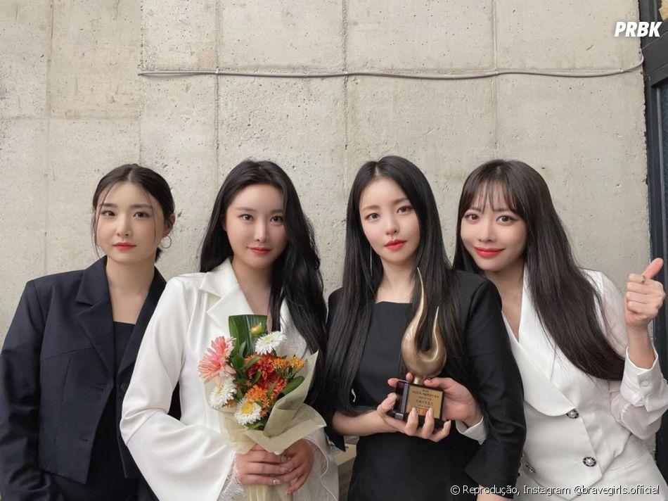Brave Girls atualmente é composto por   Yuna, Minyoung, Yujeong e Eunji