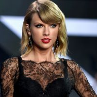 """Taylor Swift no filme """"Cidades de Papel""""? Cantora embala filmagens da produção!"""