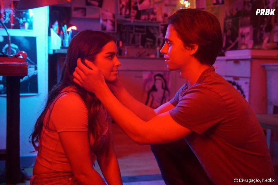 Padgett Sawyr (Addison Rae) e   Cameron Kweller (Tanner Buchanan) são o casal principal