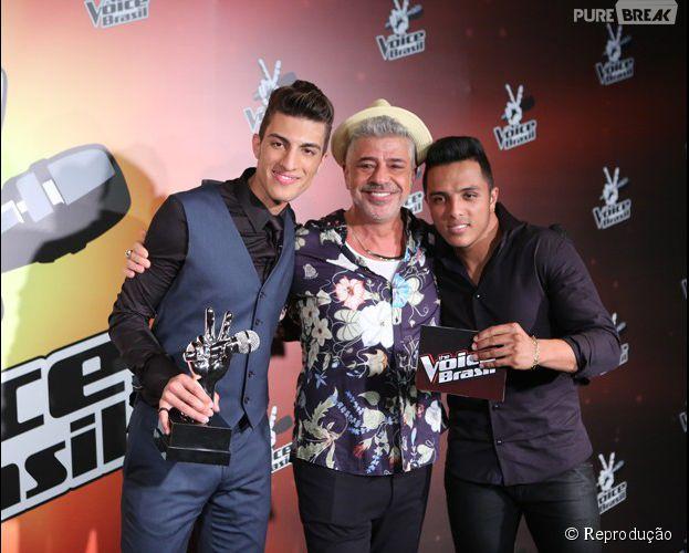 """Dupla sertaneja Daniel Reis e Rafael junto com o mentor Lulu Santos """"The Voice Brasil"""""""