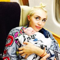 Miley Cyrus posta foto de topless para campanha e é deletada pelo Instagram