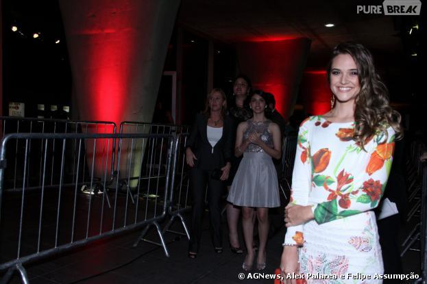 Juliana Paiva vai deslumbrante para o Prêmio Extra da Televisão 2013, que aconteceu no Rio, nesta terça-feira, 13 de novembro 2013