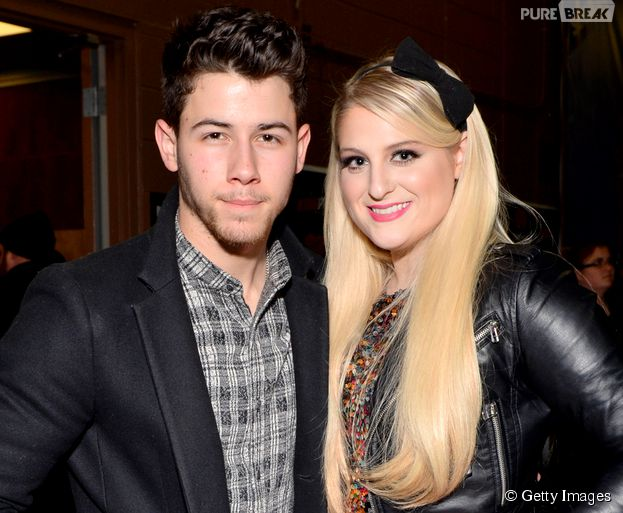 "Nick Jonas e Meghan Trainor vão ajudar o Team Christina Aguilera e Team Blake Shelton, respestivamente, na oitava temporada do ""The Voice US"""