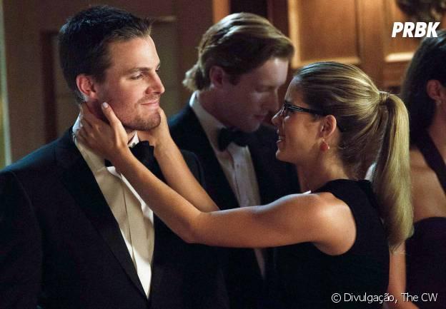 """Será que Oliver (Stephen Amell) e Felicity (Emily Bett Rickards) ficarão juntos em """"Arrow""""?"""