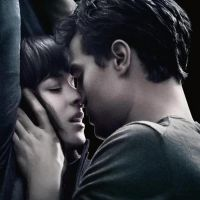 """Em """"50 Tons de Cinza"""": Novo vídeo mostra primeira briga de Christian Grey e Anastasia"""