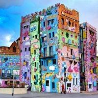 No Rio de Janeiro, Holanda e outros lugares: Conheça os prédios mais coloridos e fofos do mundo!