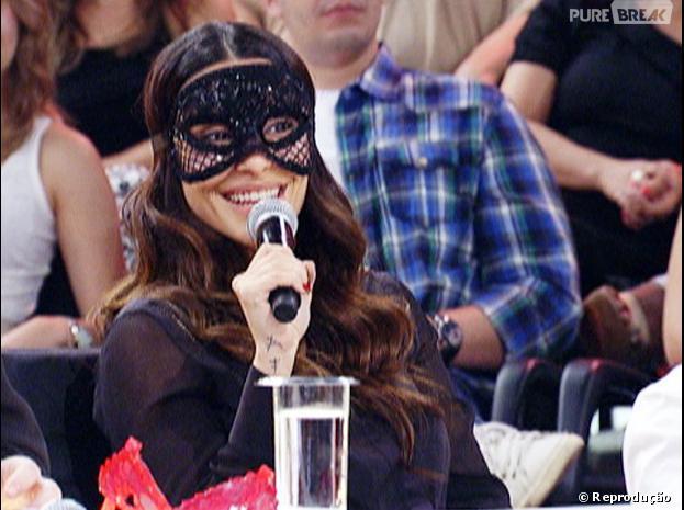 "De máscara, Cleo Pires foi a convidada especial do programa ""Amor e Sexo"", da última quinta-feira 21 de novembro de 2013, e contou que gostava de filme pornô"