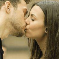 Veja 6 dicas para arrasar no 1º beijo! Você não vai pisar na bola na hora de perder o BV!