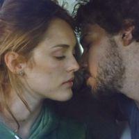 """Novela """"Sete Vidas"""": Júlia (Isabelle Drummond) e Pedro quase se beijam em primeiro encontro!"""