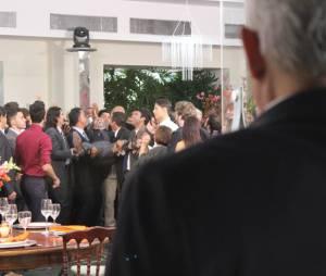 """Silviano (Othon Bastos) tenta matar José Alfredo (Alexandre Nero) em """"Império"""", da Globo"""