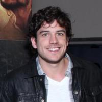 Marco Pigossi requisitado na Globo: ator fará duas novelas seguidas em 2014!