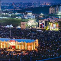 Lollapalooza 2015: Skrillex, Jack White, Kasabian e Banda do Mar arrasam no primeiro dia do evento
