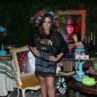 Anitta comemora aniversário de 22 anos com Ludmilla, Bruno Gissoni, Juliana Paiva e mais famosos