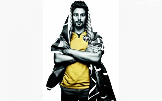 Cauã Reymond vestiu a nova camisa da Seleção Brasileira