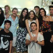 """Isabella Santoni, Rafael Vitti e elenco de """"Malhação"""" prestigiam Maria Luiza em show no Rio"""