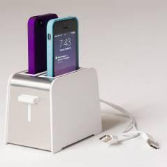 """""""Foaster"""" é um dock em formato de torradeira para o iPhone 5s"""