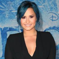 "Demi Lovato lidera lista do New York Times com ""365 Dias do Ano: Staying Strong"""