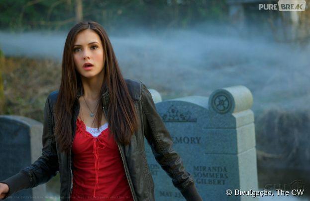 """Nina Dobrev está em """"The Vampire Diaries"""" desde 2009!"""