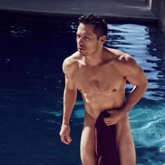 """Nick Wechsler, o Jack de """"Revenge"""", arrasa em fotos quase pelado, só de toalha"""