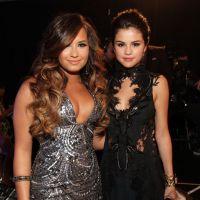 Selena Gomez e Demi Lovato devem lançar seus novos singles na mesma época. Já pensou?!