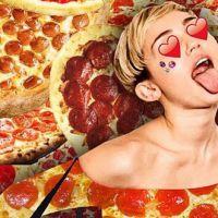 Miley Cyrus é a maior fã de pizza que já existiu: veja 12 posts no Instagram que comprovam a teoria!