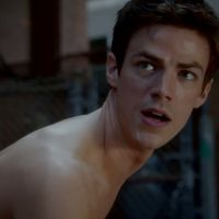 """Em """"The Flash"""": na 2ª temporada, Barry (Grant Gustin) ganha uma Felicity pra chamar de sua!"""