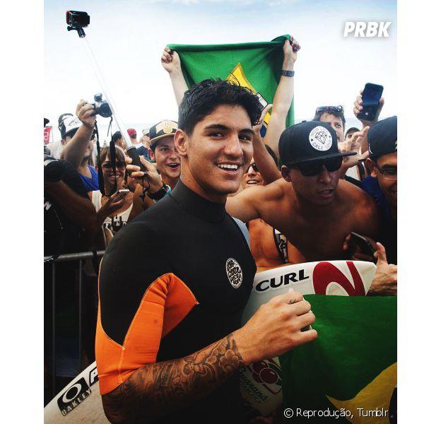 Gabriel Medina faz boa pontuação no Mundial se Surf e avança para terceira etapa em Fiji