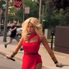 "Ashley Benson, de ""Pretty Little Liars"", arrasa na pele da Lady Lisa em novo vídeo de ""Pixels"""
