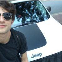 """Chay Suede, de """"Babilônia"""", fatura R$80 mil por postar foto de seu novo carro no Instagram!"""