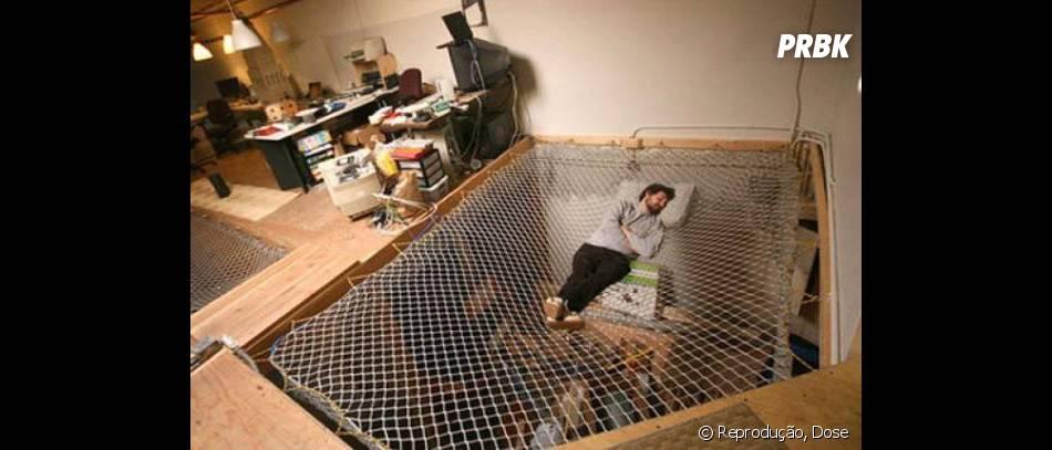 Parece ser ótimo dormir nessa rede. Eu quero!