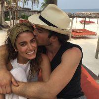 """Ian Somerhalder, de """"The Vampire Diaries"""", e Nikki Reed voltam ao batente após férias românticas"""