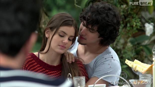 """Angel (Camila Queiroz) toma a decisão de casar com Guilherme (Gabriel Leone) em """"Verdades Secretas"""""""