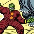 Hulk disfarçado de um robô palhaço gigante. Não parece uma boa ideia, né?