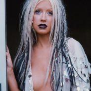 """Christina Aguilera faz topless em foto do Instagram e diz que """"é tudo real"""" na legenda"""