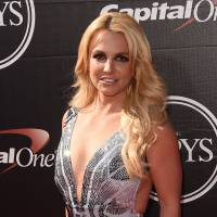 """Em """"Jane The Virgin"""": Britney Spears está confirmada na segunda temporada da série!"""