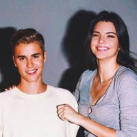"Justin Bieber em ""What Do You Mean"": Kendall Jenner surge de biquíni para promover hit do astro!"