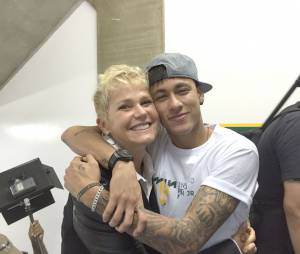 Xuxa fez uma matéria especial com Neymar Jr no Instituto do craque!