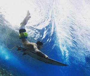 Gabriel ficou em segundo lugar na etapa do Taiti do Circuito Mundial de Surf