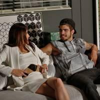 """Novela """"I Love Paraisópolis"""": Grego (Caio Castro) se preocupa com Margot e faz surpresa!"""