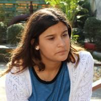 """Novela """"Malhação"""": Lívia (Giulia Costa) chora depois de levar fora de Roger (Brenno Leone)!"""
