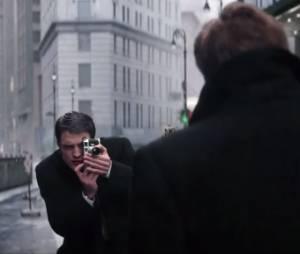 """Clipe de """"Life"""", com Robert Pattinson"""