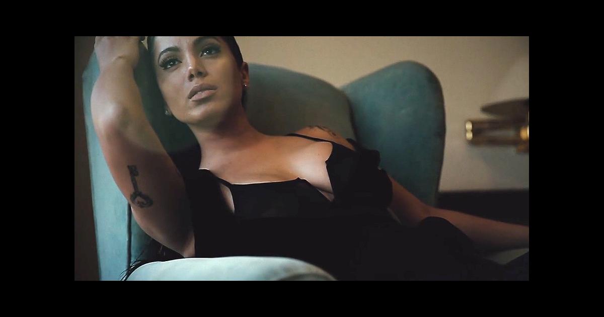 Anitta Posa Sexy Para Marca Harper Opengraph Surge De Lingerie Supery Em Ensaio Ousado Harpers Bazaar Assista