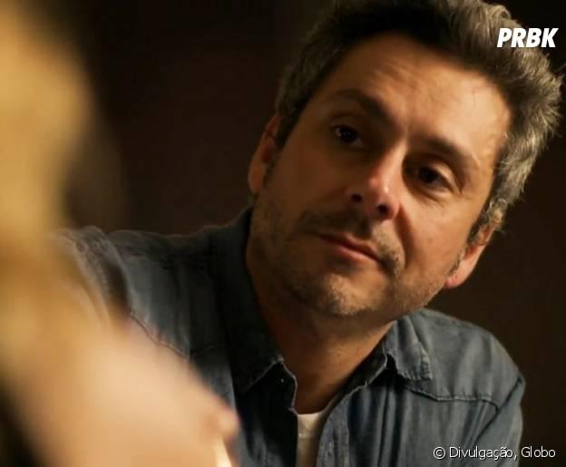 """Romero (Alexandre Nero) fica apaixonado por Atena (Giovanna Antonelli) em """"A Regra do Jogo"""""""